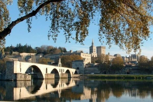 The famous bridge and popes'palace of Avignon